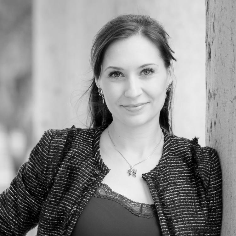 Dr.  Geneviève Digby