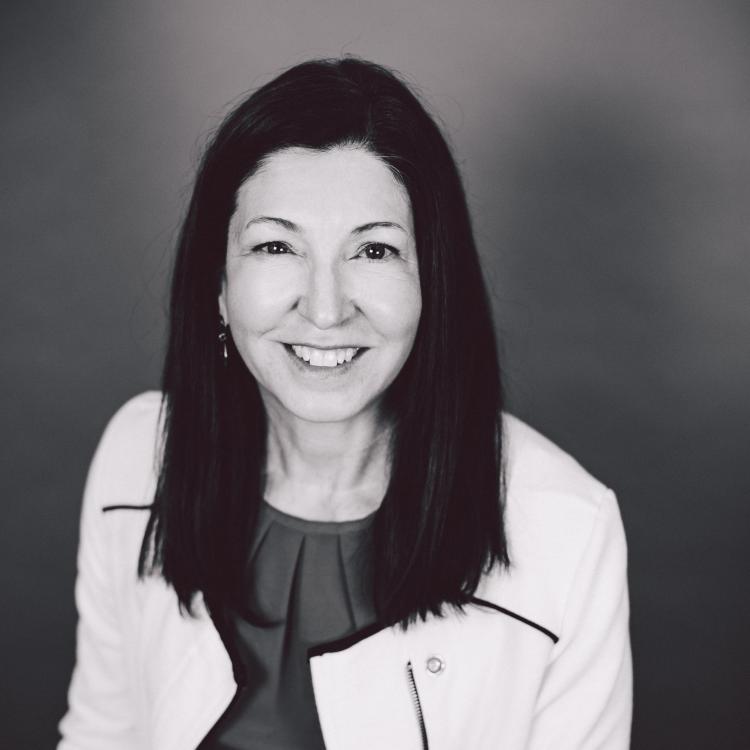 Dr.  Kim  Turner