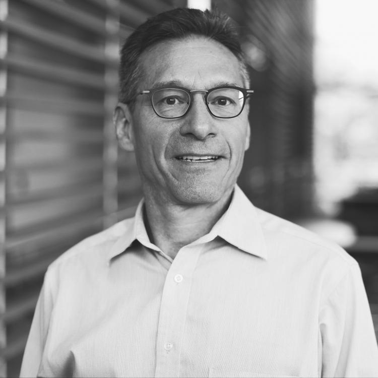 Dr.  Ramiro Arellano