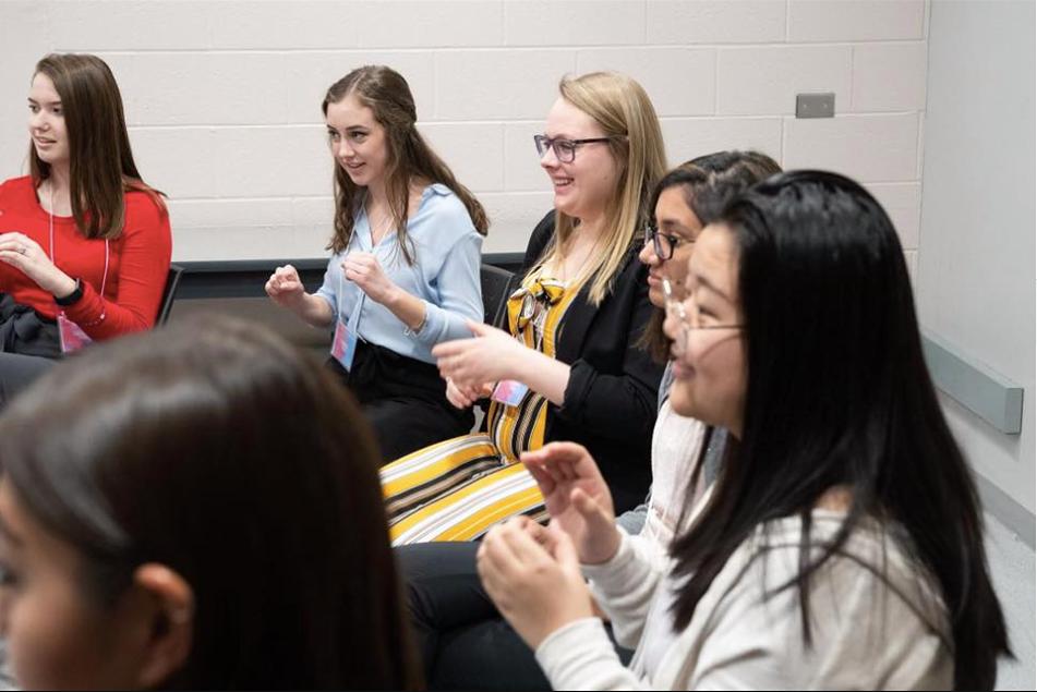 Nursing student bridges the gap between Deaf and hearing culture