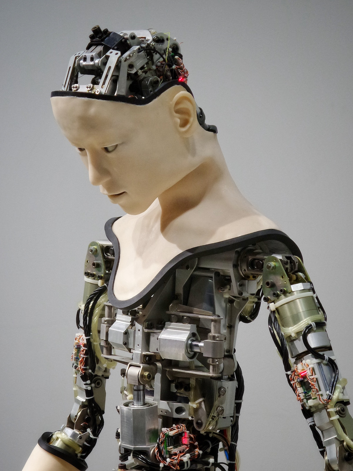 Are robots going to replace doctors?